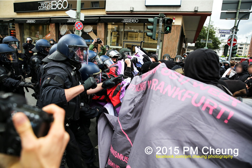 20.06.15 – 2500 AntifaschistInnen verhindern den Aufmarsch des Widerstands Ost/West trotz massiver Polizeigewalt